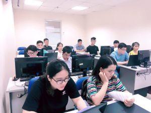 Phụ nữ trong ngành công nghệ thông tin có dễ xin việc?